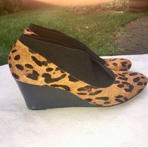 Taryn Rose size 7 leopard print calf hair bootie
